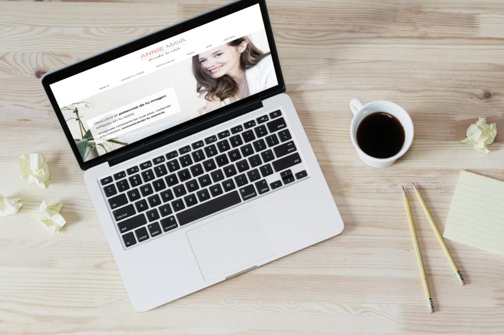 Ser Asesora de Imagen y crear contenidos para redes sociales.